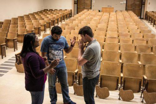 InterVarsity students pray together.
