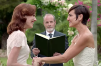 Lesbian couple weds in Zales commercial