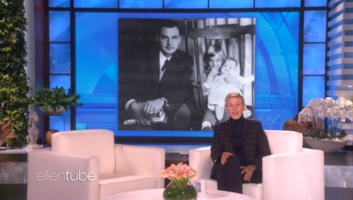 Ellen DeGeneres Emotionally Reveals That Her Father Elliott Passed Away
