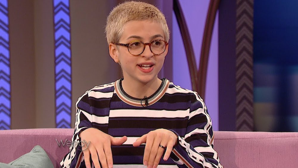 Transgender actress Jessie Totah will play Lexi, a lead cheerleader in the reboot of the '90s teen series,