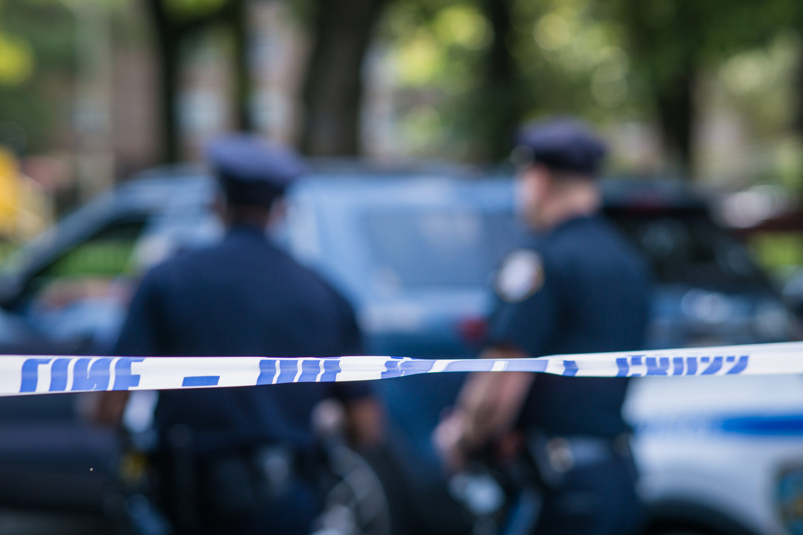 Off-duty cop shoots her girlfriend & kills another woman in apparent love triangle