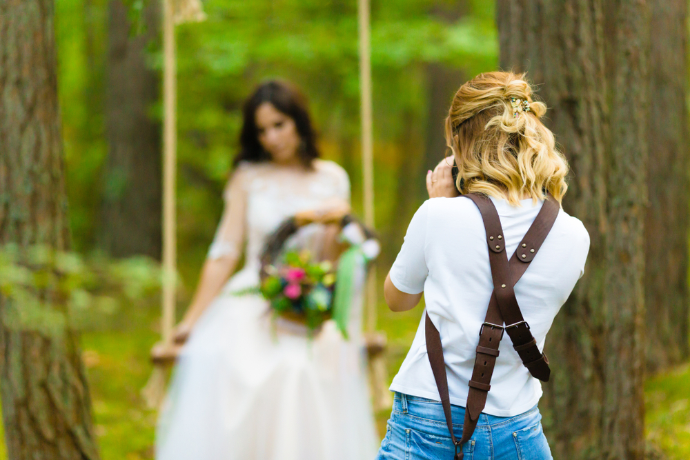 Christian photographer sues for right to refuse gay customers because she doesn't work with vampires