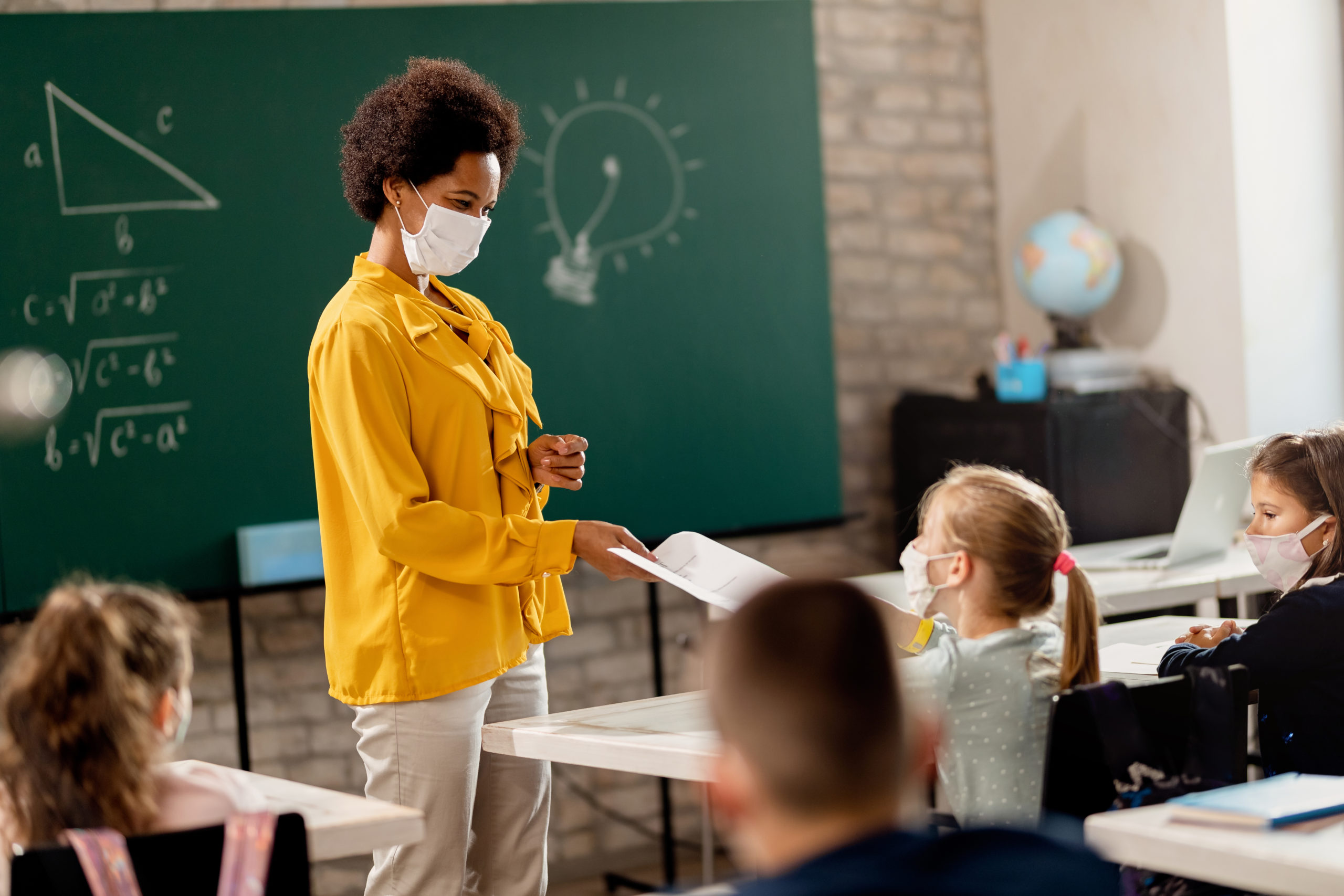 Clever mom opts daughter out of school dress code citing ban on mask mandates