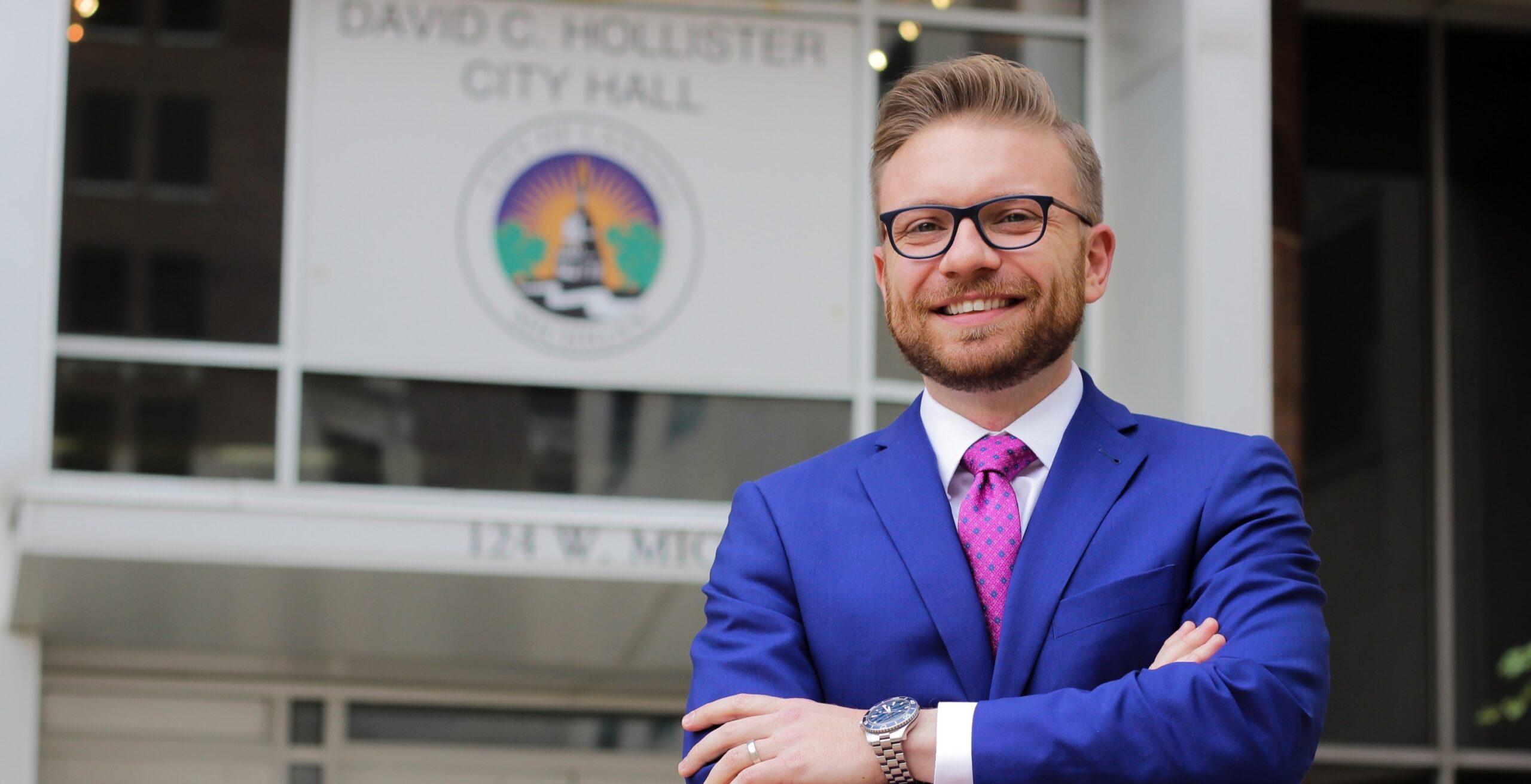 "Progressive activist apologizes after calling gay city councilor a ""hissy b***h"""